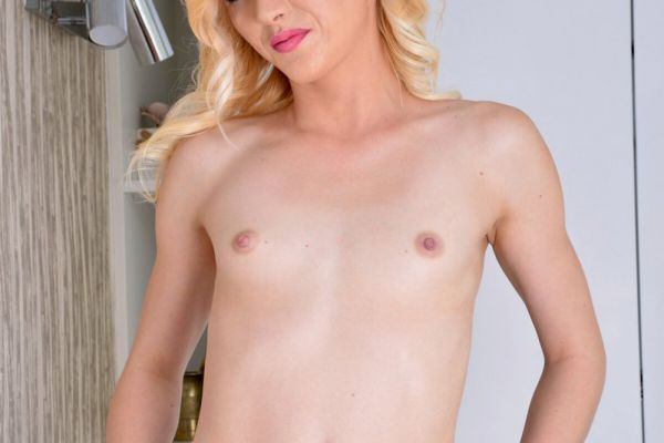 'Tyna Loves To Tease' featuring Tyna Gold