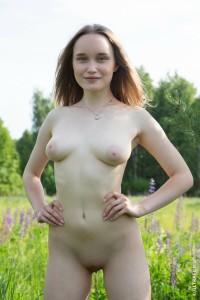 oliviamyers-russia-2002